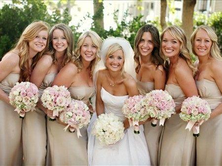 Bouquet Sposa E Damigelle.Bouquet Delle Vostre Damigelle Di Nozze Organizzazione