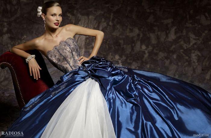 3199c076236d Abiti Da Cerimonia Via Venti Settembre Genova ~ Vestiti da sposa radiosa  moda nozze forum