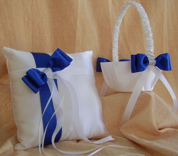 Cuscino Portafedi Bianco E Blu.Cuscino Portafedi Bianco E Blu Oostwand