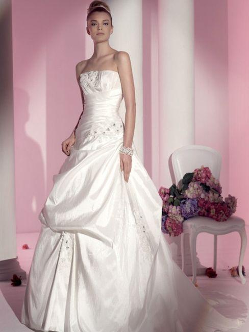 fd16aec7e81b Anteprima vestiti fara sposa 2011 - Moda nozze - Forum Matrimonio.com