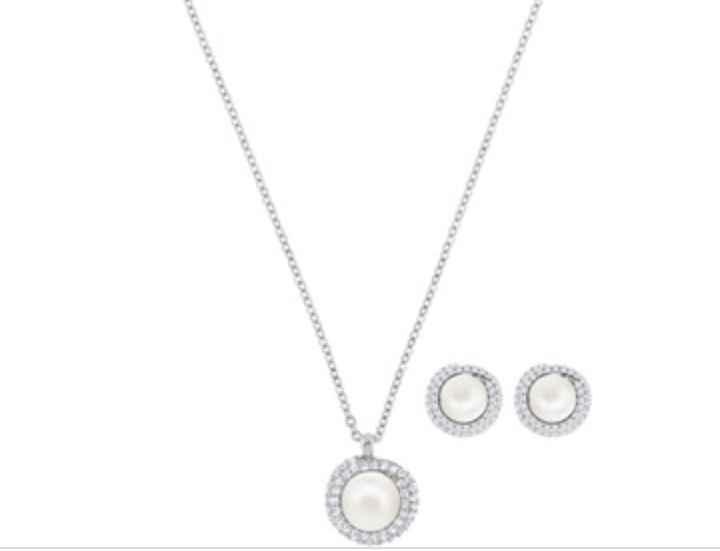 Orecchini e collana di perle regalo dalla suocera confermato😁 - 1