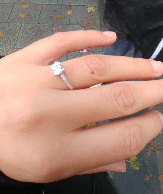 E ora mostraci una foto del tuo anello di fidanzamento! 25