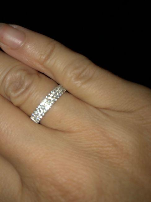 In che modo ti prendi cura del tuo anello di fidanzamento? 1