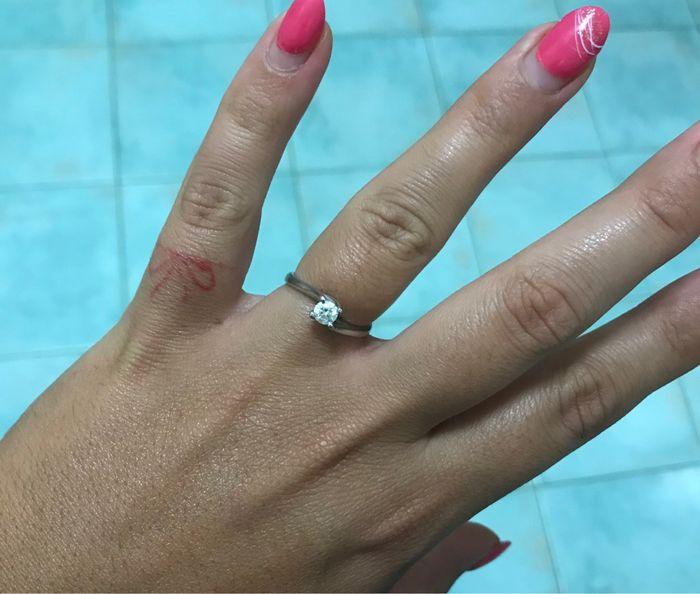 E ora mostraci una foto del tuo anello di fidanzamento! 6