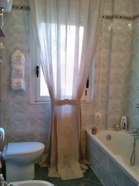 Good idee per tendine bagno idee tende bagno per tende finestra bagno country style with tende - Tende bagno country ...
