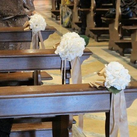 Allestimento chiesa - Foto Organizzazione matrimonio