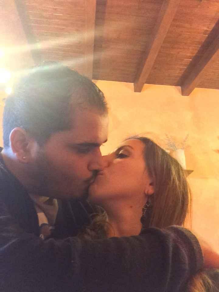 Si avvicina San Valentino - la foto dei vostri baci con fm - 1