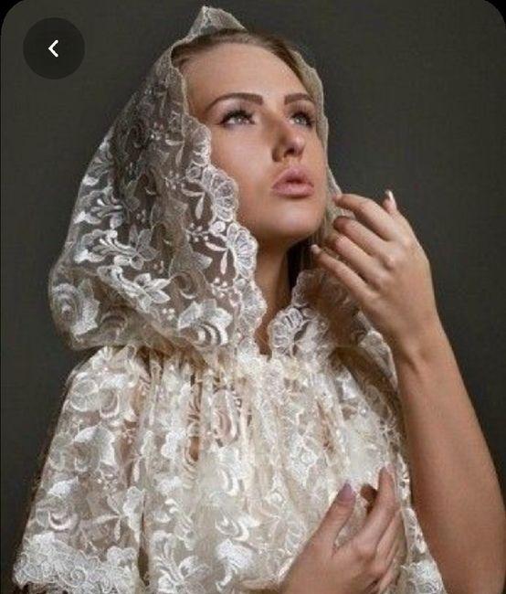 Nuovo must 2020: L'abito da sposa con la mantella 🤍 8