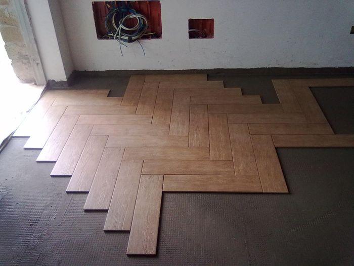 Gres porcellanato effetto legno organizzazione for Pavimento spina di pesce