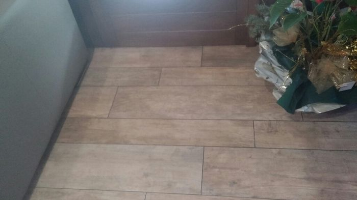 Posa pavimenti effetto parquet vivere insieme forum - Posa piastrelle in diagonale ...