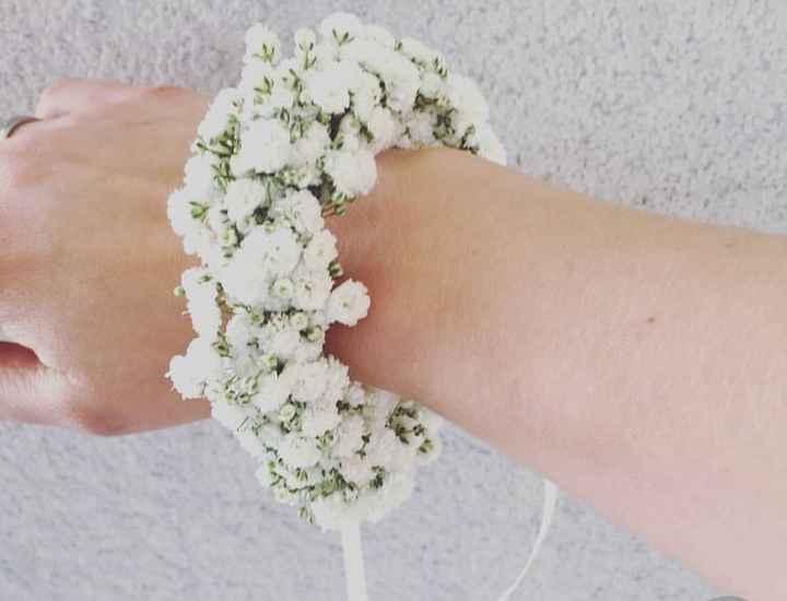 Bracciali con fiori per damigelle - 1