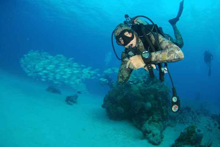Mio marito durante una delle immersioni