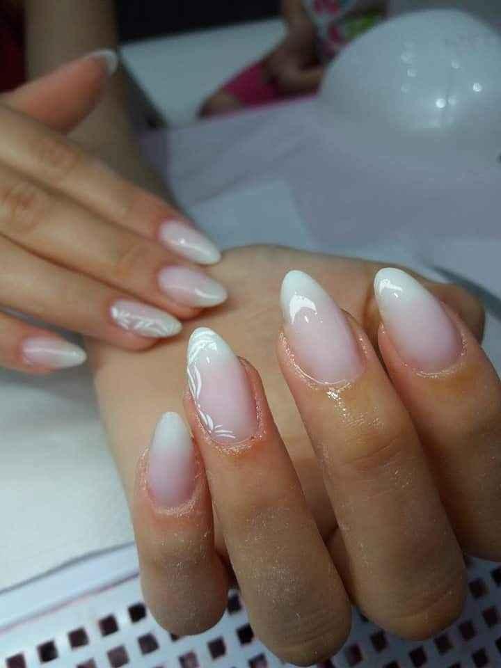 Smalto unghie sposa: bianco, colorato o... - 1