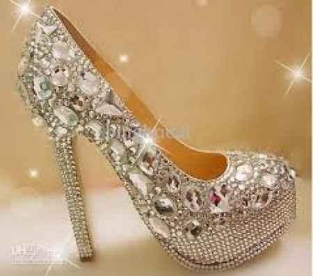 scarpe luccicose
