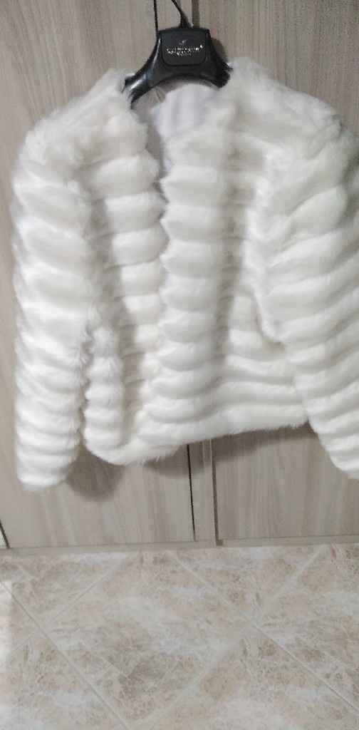 Sta bene questa pelliccia con il vestito? - 1