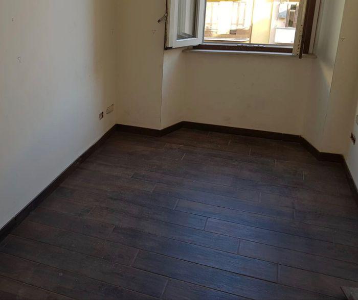 Pavimenti neri, chiari o legno? 6