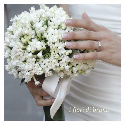 Nomi Fiori Bianchi Matrimonio.Proposte Bouquet Di Oggi Fiori Bianchi Organizzazione