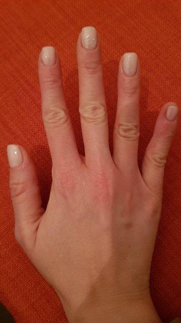 Sposine dolcissime oggi faccio la prima prova unghie, mi fate vedere le vostre? 7