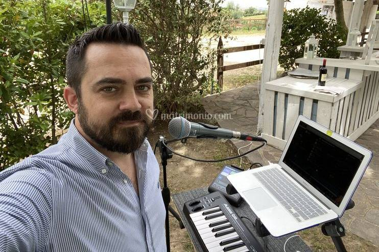 Francesco Freddie Lino Cantante e DJ