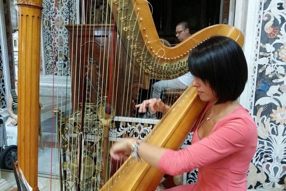 Il dolce suono dell'arpa Adriana Nicolosi