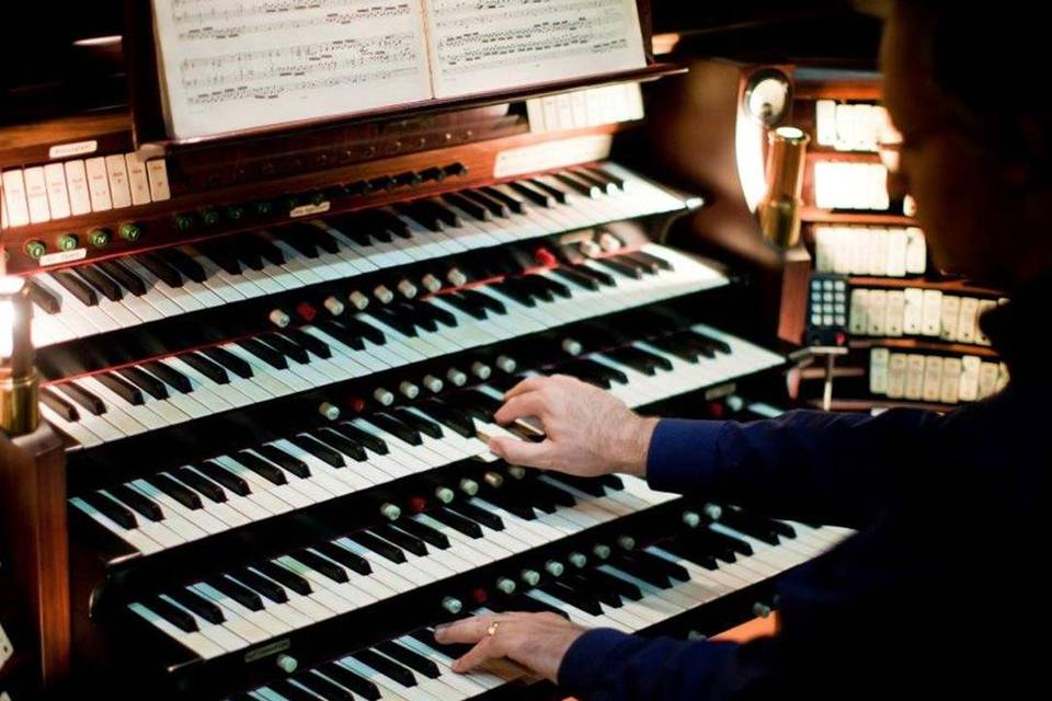 Riccardo Ferrari Organista e Pianista