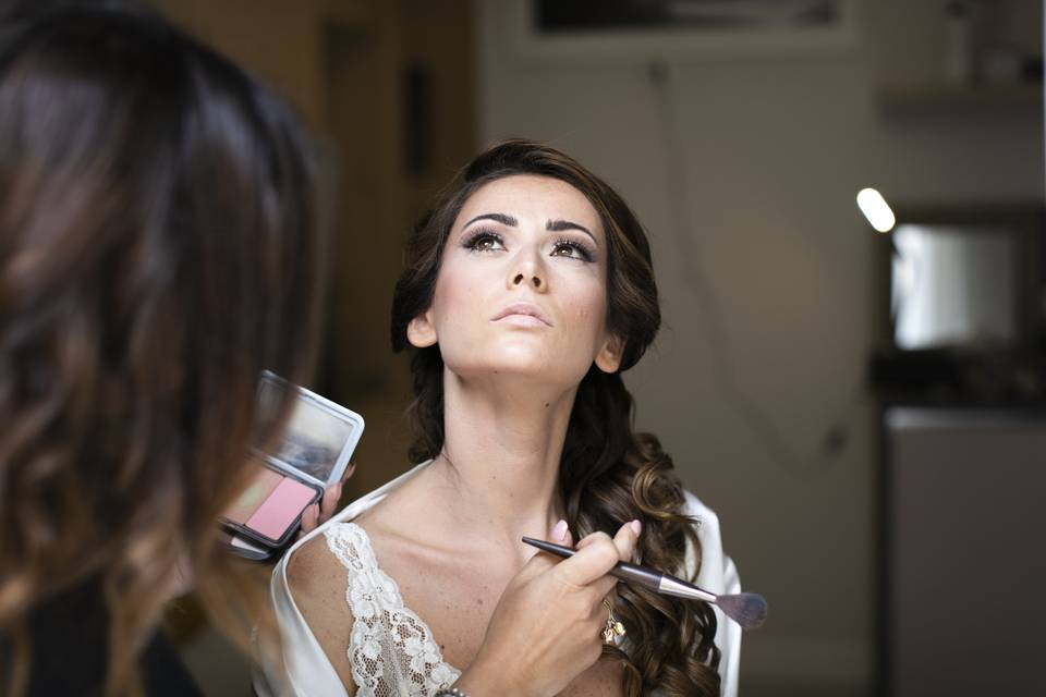 Bellessere Beauty And MakeUp
