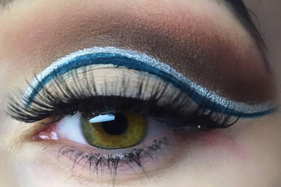 Make Up grafico con cutcrease