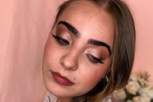 Noemi Make Up