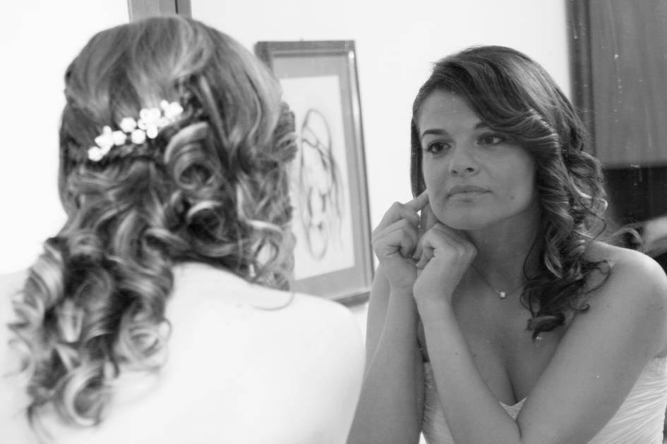 Lara allo specchio
