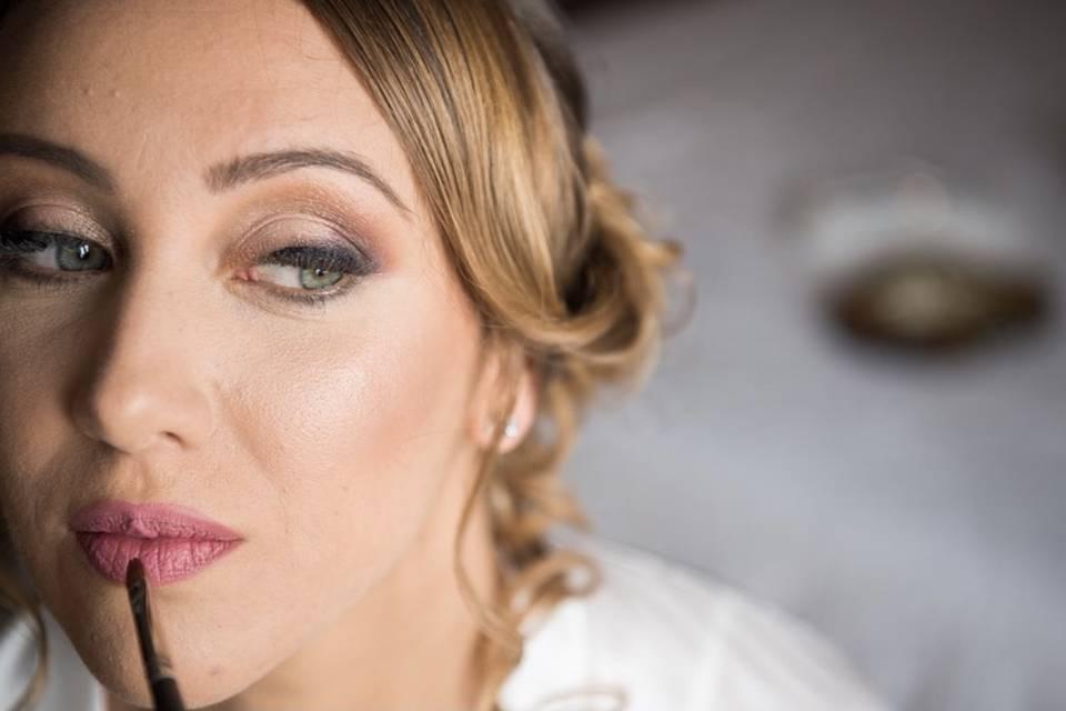 Make-up details