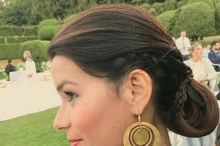 The Wedding HairDresser