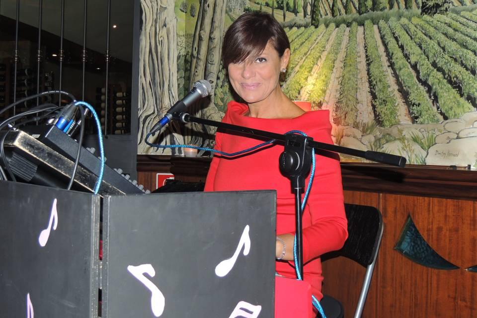 Stefania Cuneo - voce e pianoforte