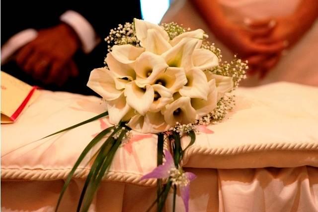 Il bouquet con calle di gardenie floreal designer