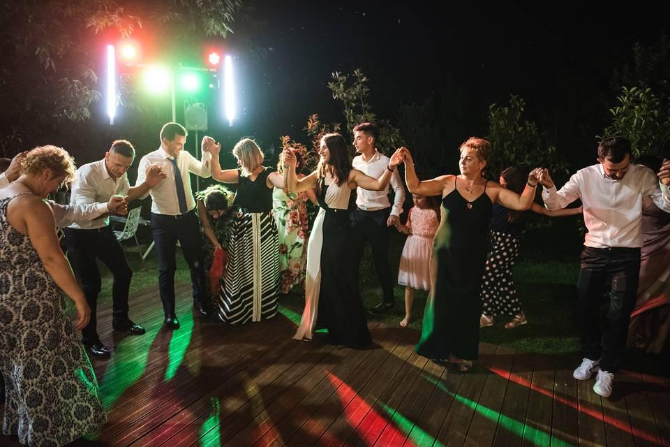 R&V balli albanesi