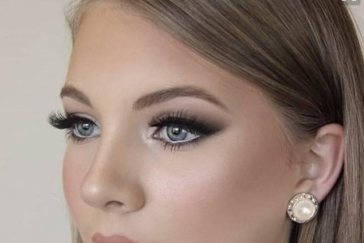 Deva Make-up
