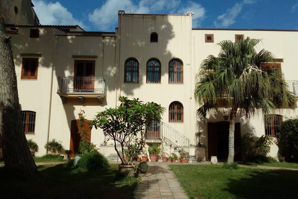 Palazzo Leone