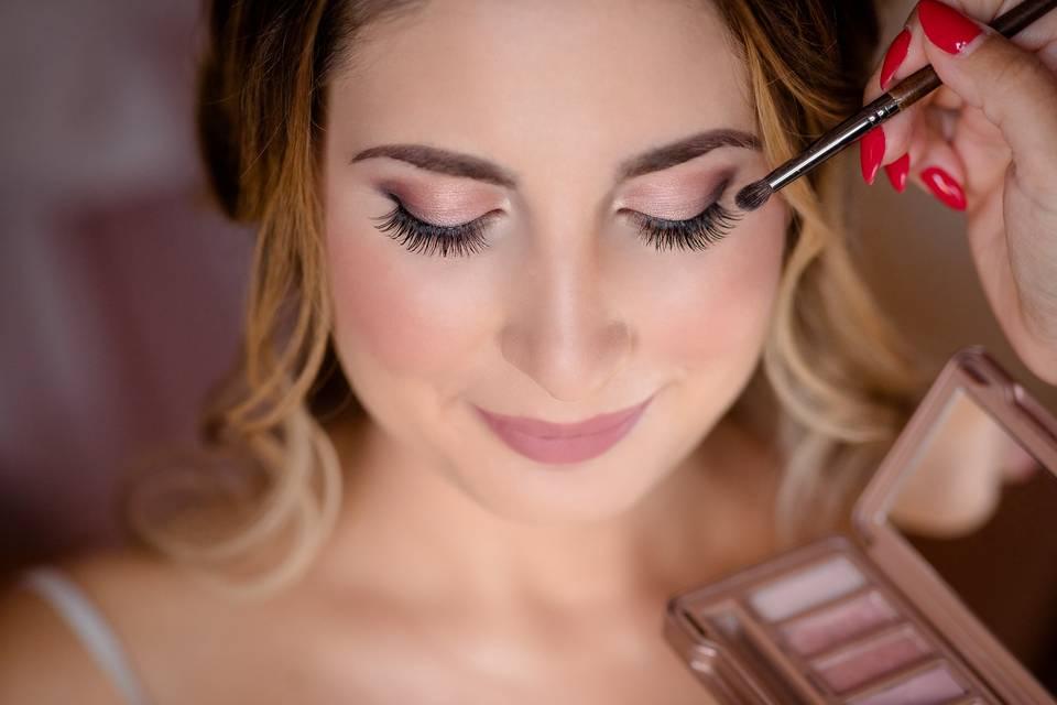 Diana Sava Makeup & Hairstyling