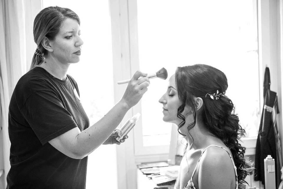 Gloria Hairstylist & Make Up Artist