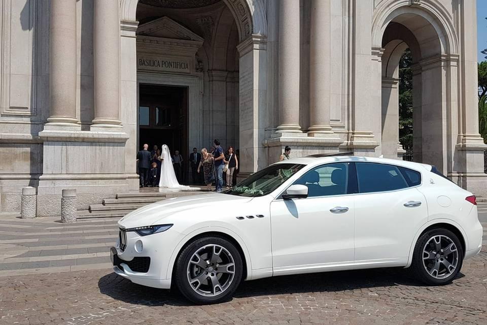 Maserati levante bianco
