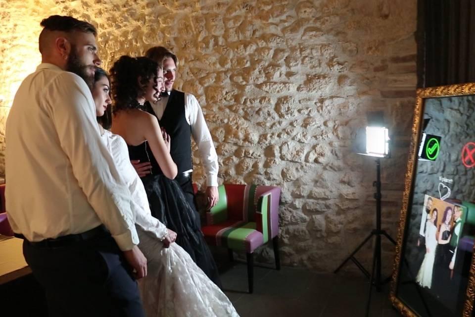 Magik Selfie - Photobooth e specchio interattivo