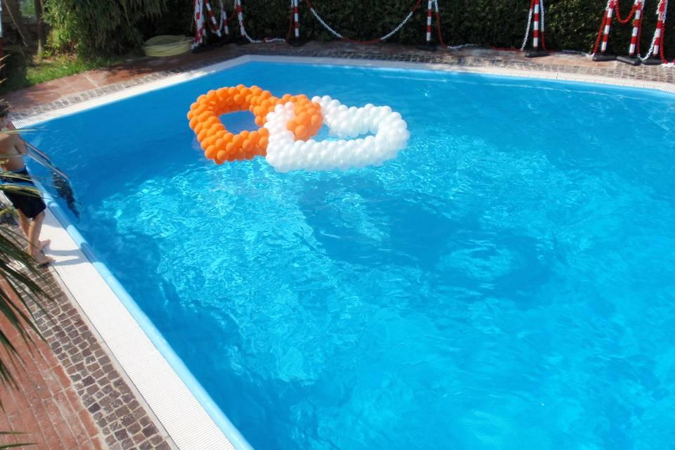 Cuori in piscina
