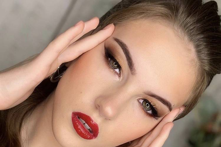 Alina Fylypchuk Makeup & Hair Artist