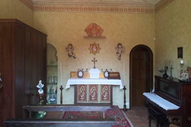 L'interno della Chiesetta
